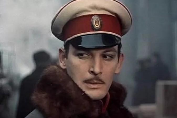Василия Ланового не пустили в самолет. Победа отказала Лановому