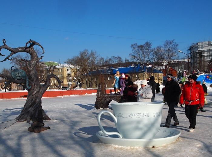 Южно-Сахалинск. Новогодний городок у Дома правительства