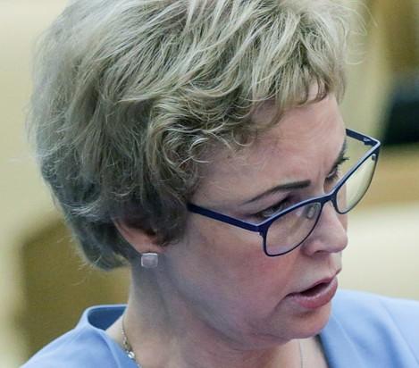 Член комитета Госдумы РФ по охране здоровья Татьяна Соломатина